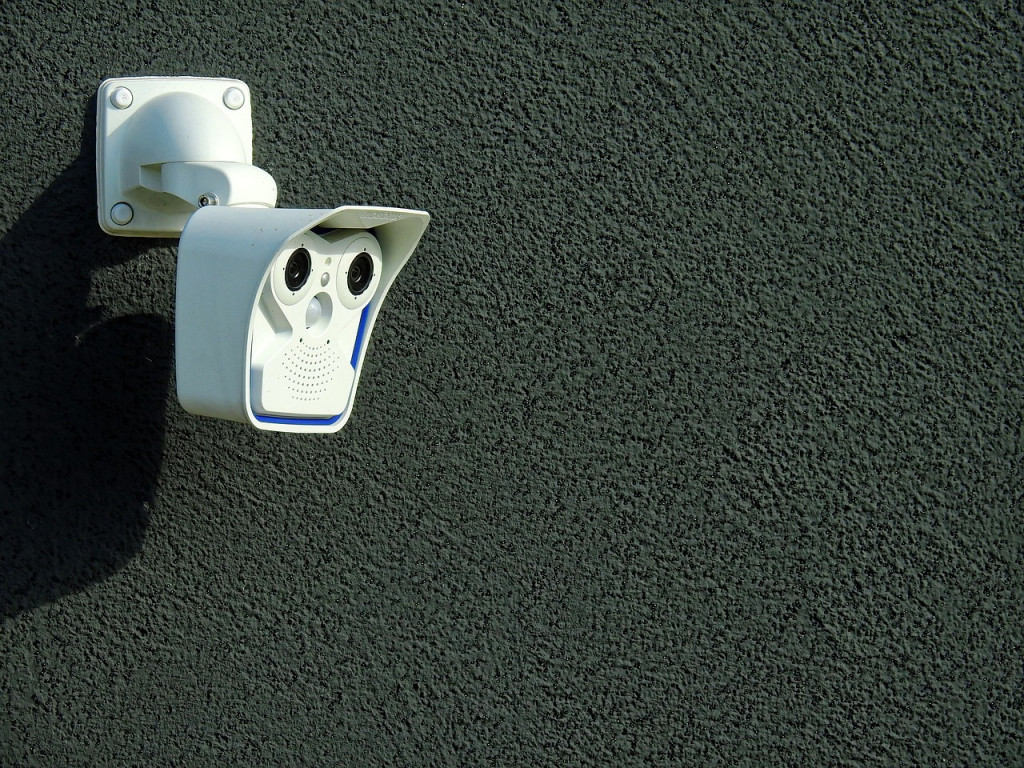 Alarmsystemer og overvågningskamera