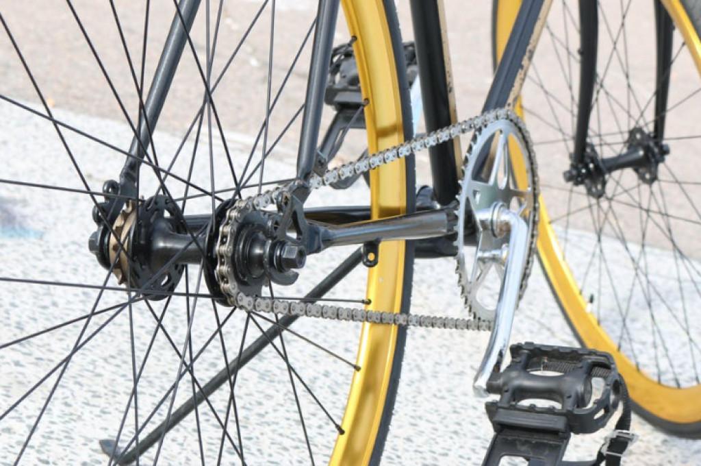 Lad faren overtage indkøb med en herre cykel med frontlad