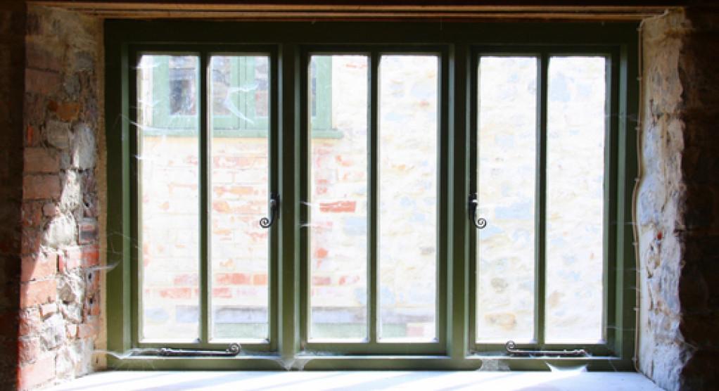 tætningslister til vinduer og døre